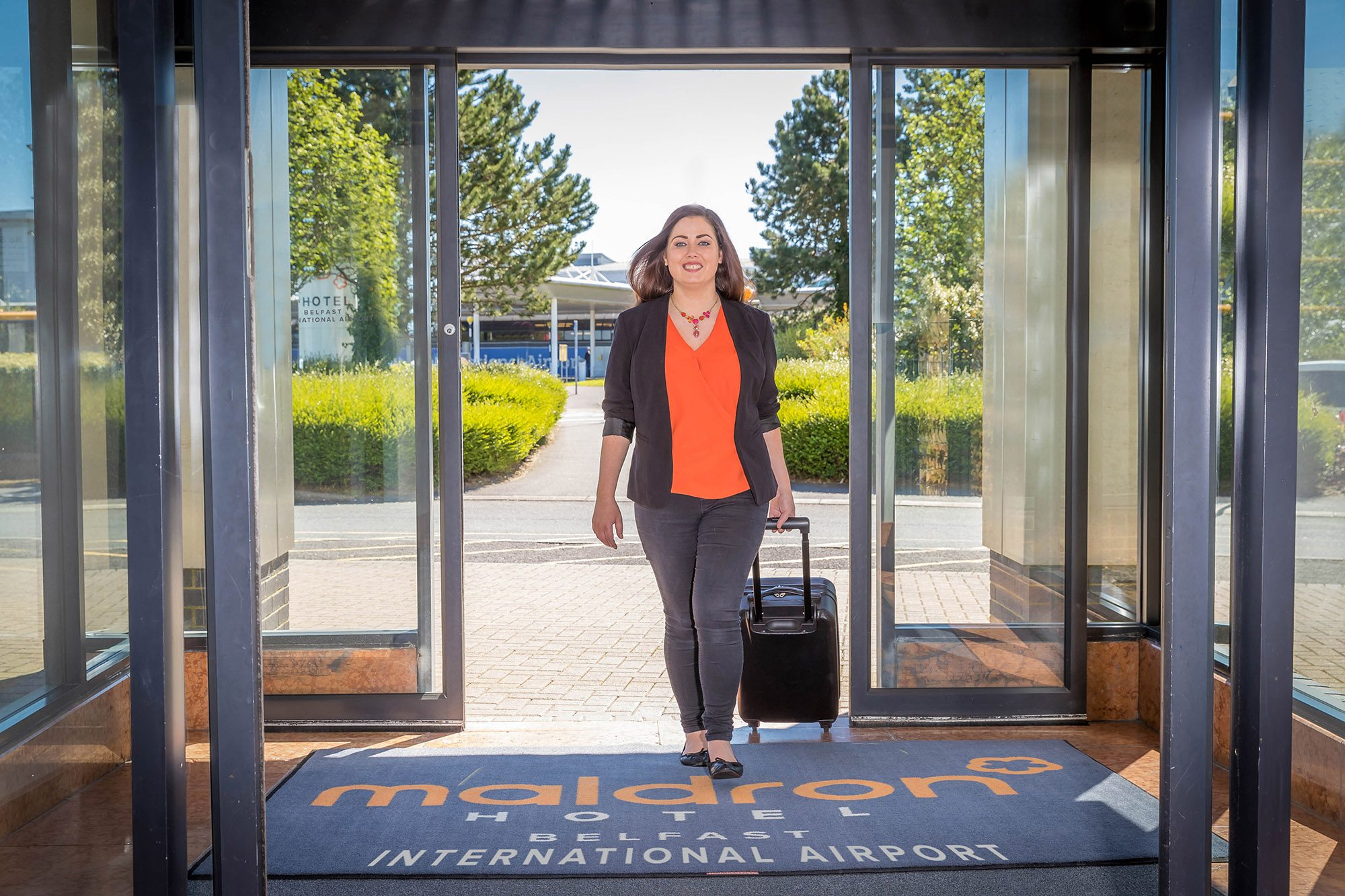 Entrance-Maldron-Hotel-Belfast-International-Airport