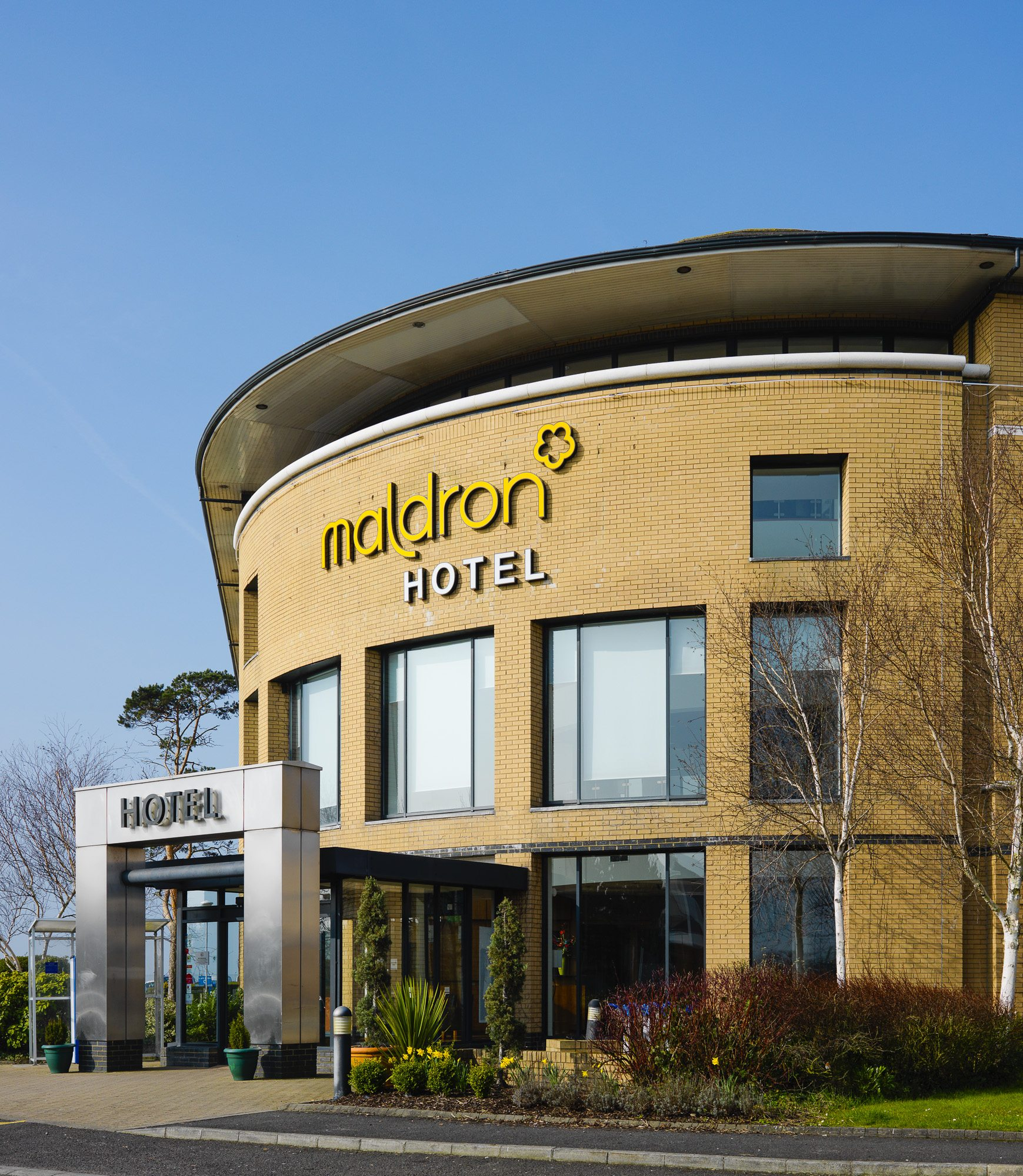 Exterior-Maldron-Hotel-Belfast-International-Airport